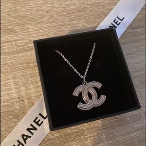 🖤Authentic CHANEL 🖤 Zipper-Pull🖤Necklace🖤